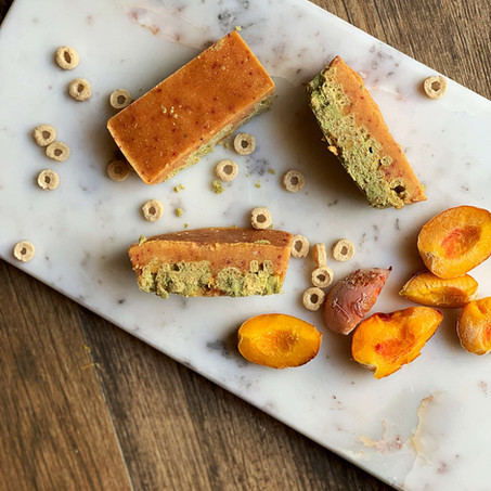 Peach Matcha Cereal Bars (Vegan & Low Carb)