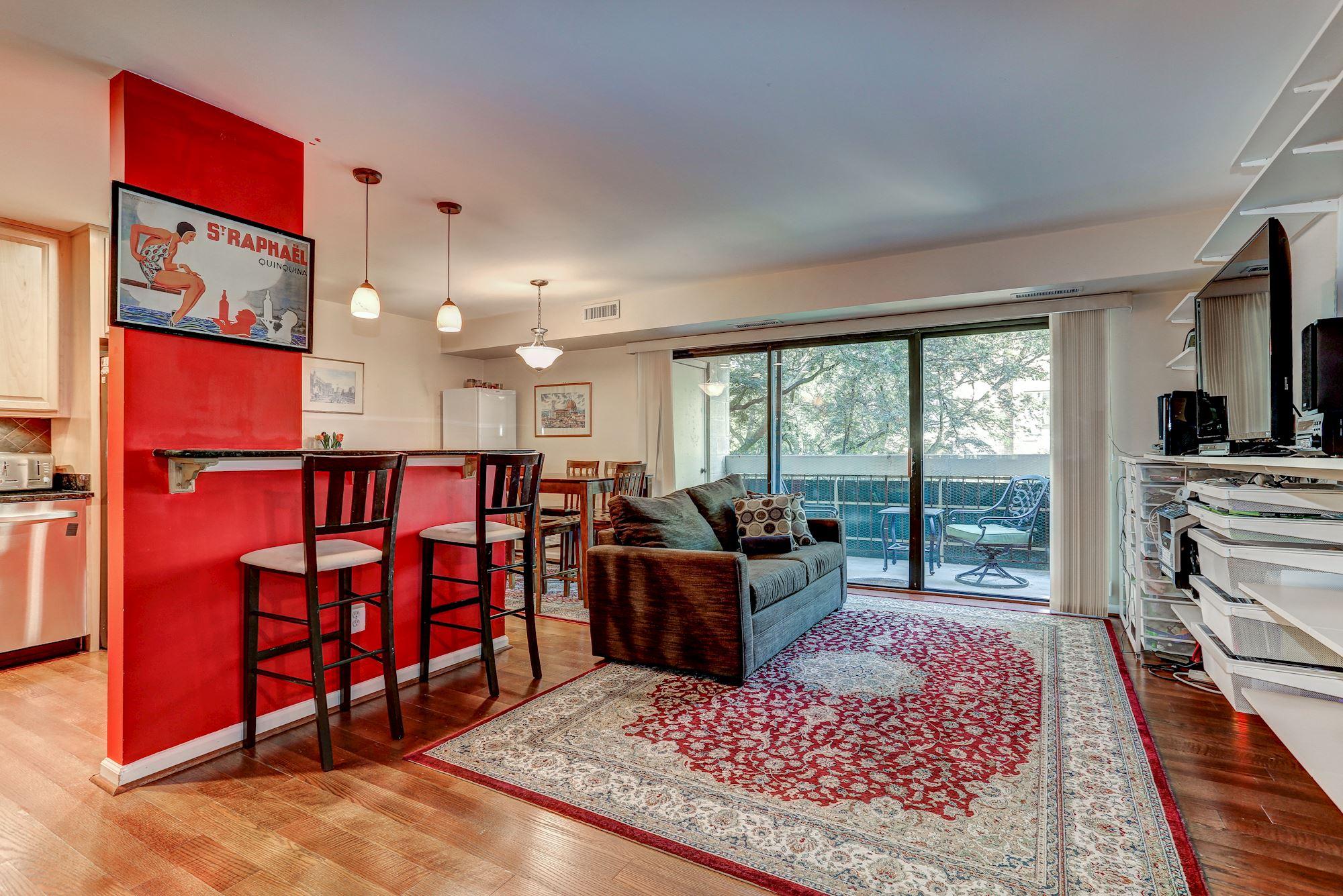 Living-Room / Open Concept