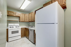 Kitchen - with added Dishwasher