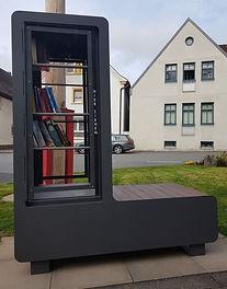 20210416_Bücherschrank.jpg