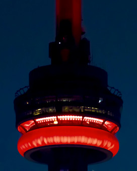 CN Tower Moonlapse