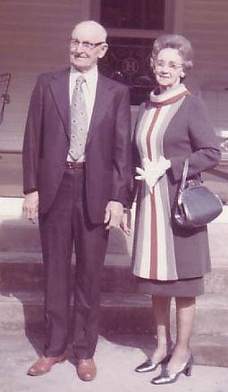 Estil & Pearl before house cir 1965 crop
