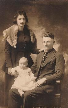 Estil & Pearl with Josephine cir 1921.jp
