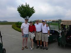 Tip, Nina, Ted & Sam @ golf.jpeg