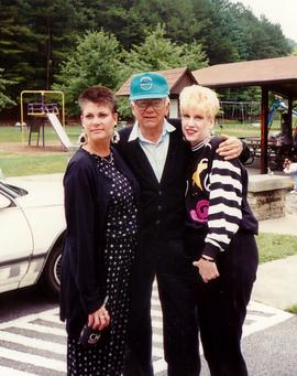 Lisa, Ed, Shelley @ picnic.tif