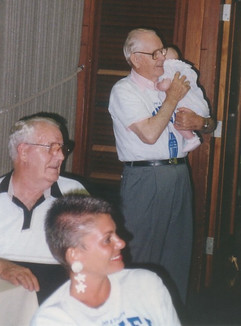 Arnold, Lisa, Dovil & Brianna.jpg