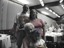 Katherine's family02.JPG