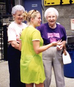 Aunts & Blackburn at pool.TIF