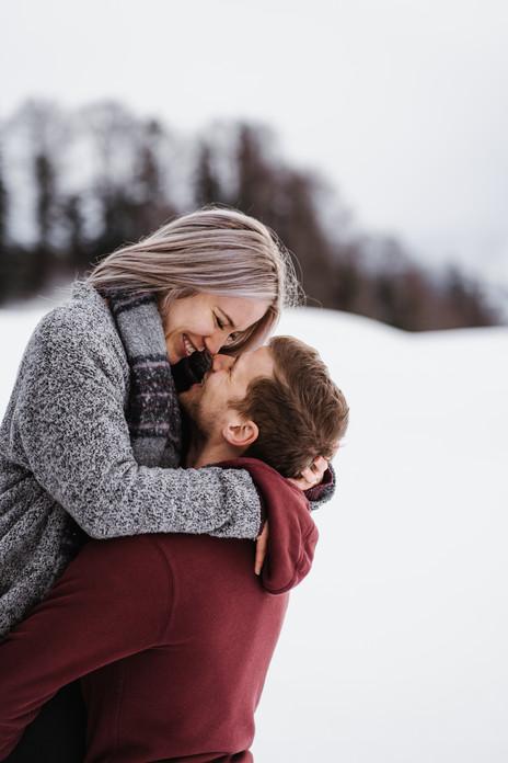 Paarfotografie im Schnee
