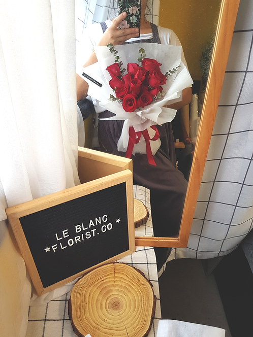 Secret Admirer (13 Roses)