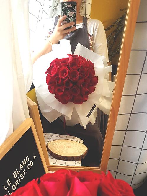 Eternal Love (33 Red Roses)