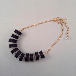 Black reel necklace