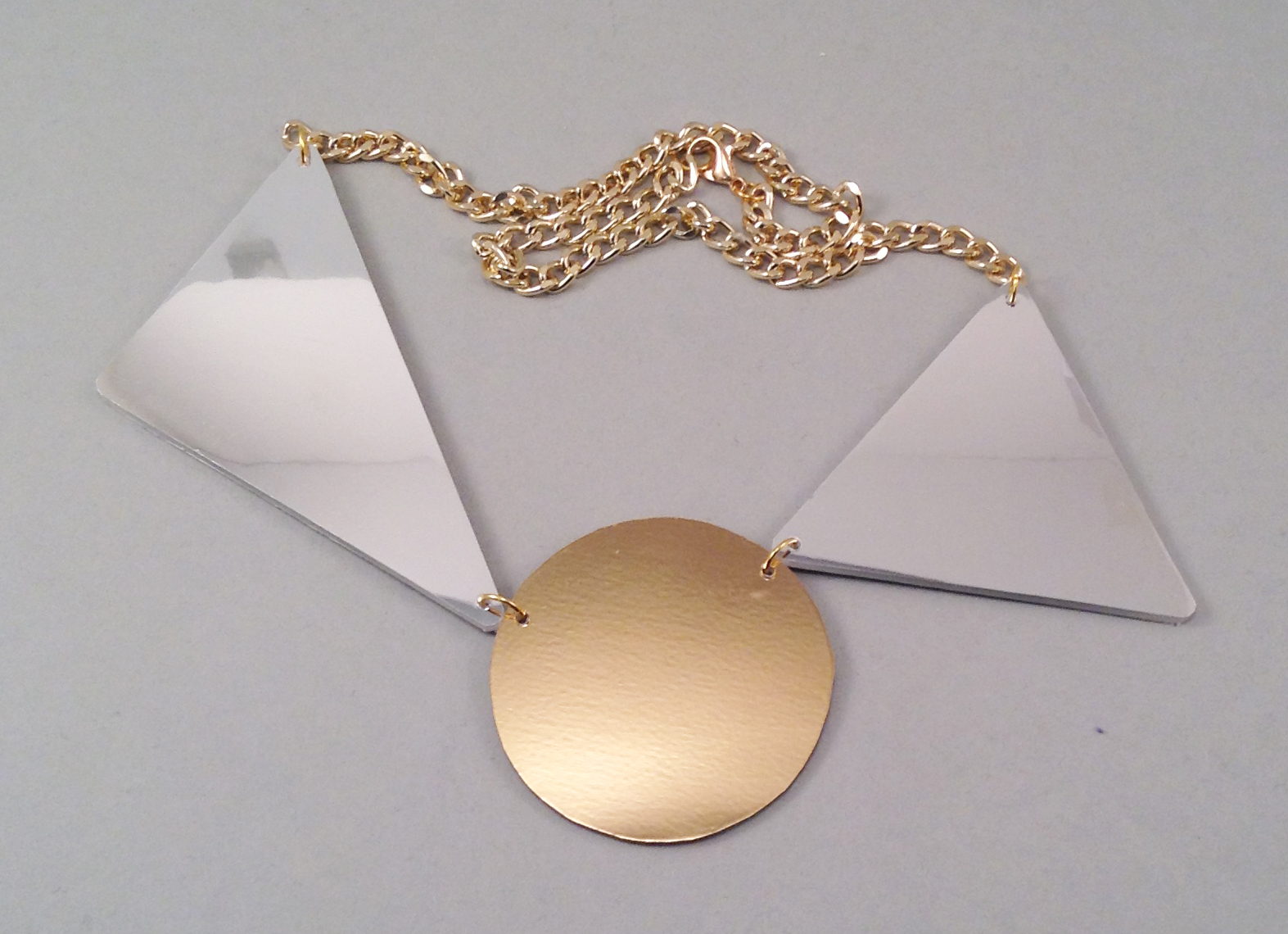 Golcircle necklace