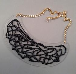 Black crack necklace