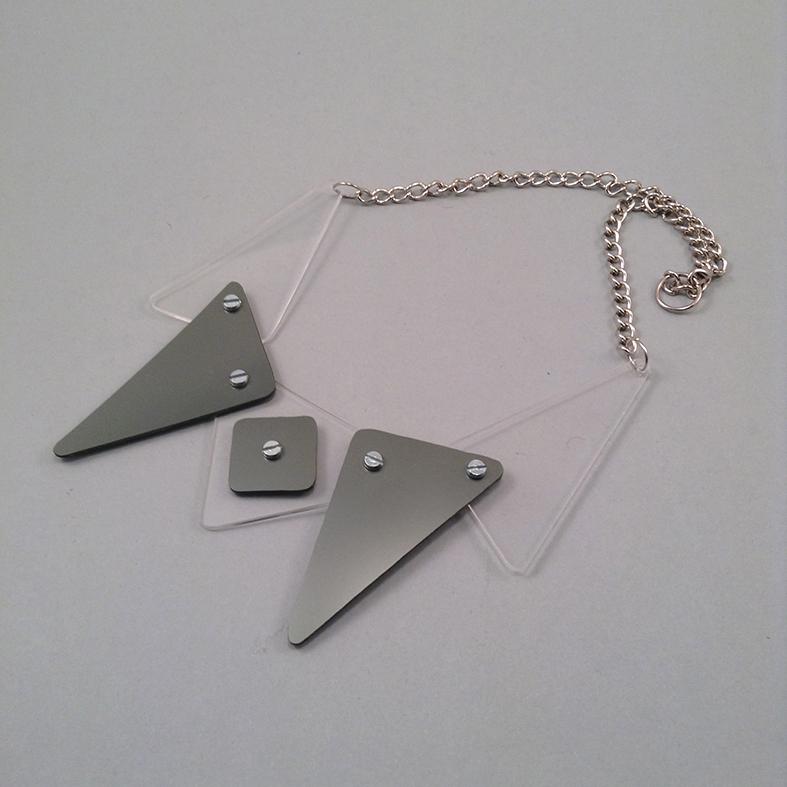 Trigrey necklace