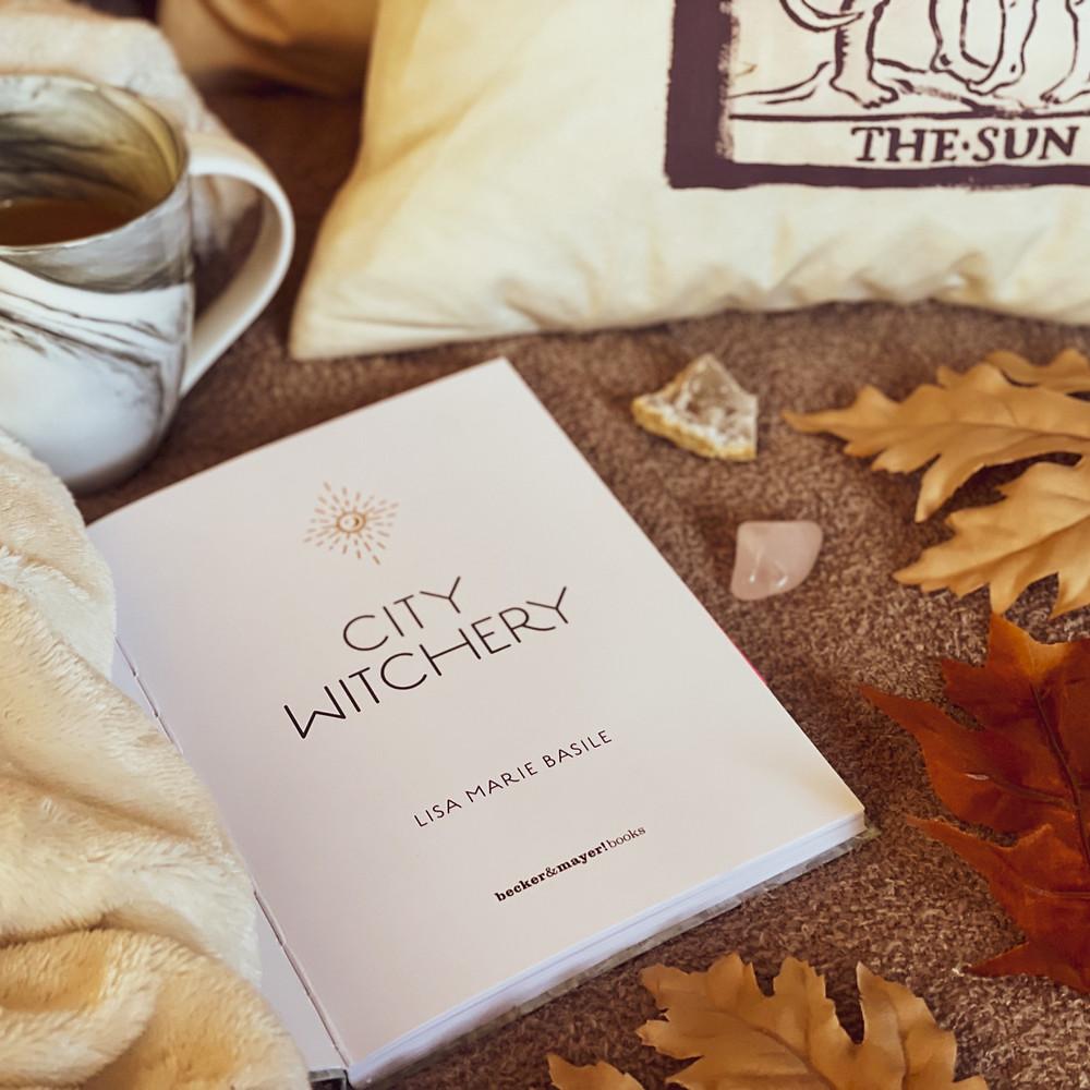 @coffeebookandcandle bookstagram City Witchery