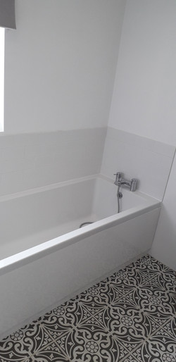 Bathroom tiles by jphinteriorsandexterio