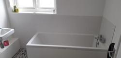 Tilling bathroom wall