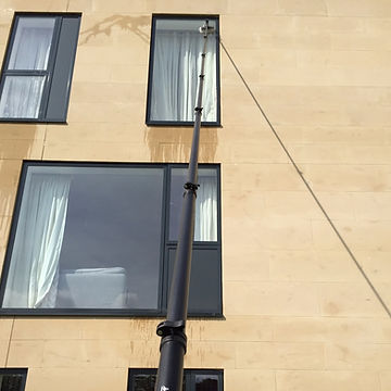 High-reach-window-cleaning-pure-water