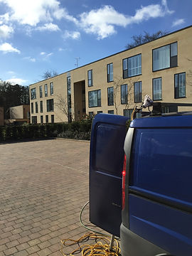 window-cleaning-at-manged-residential-apartments