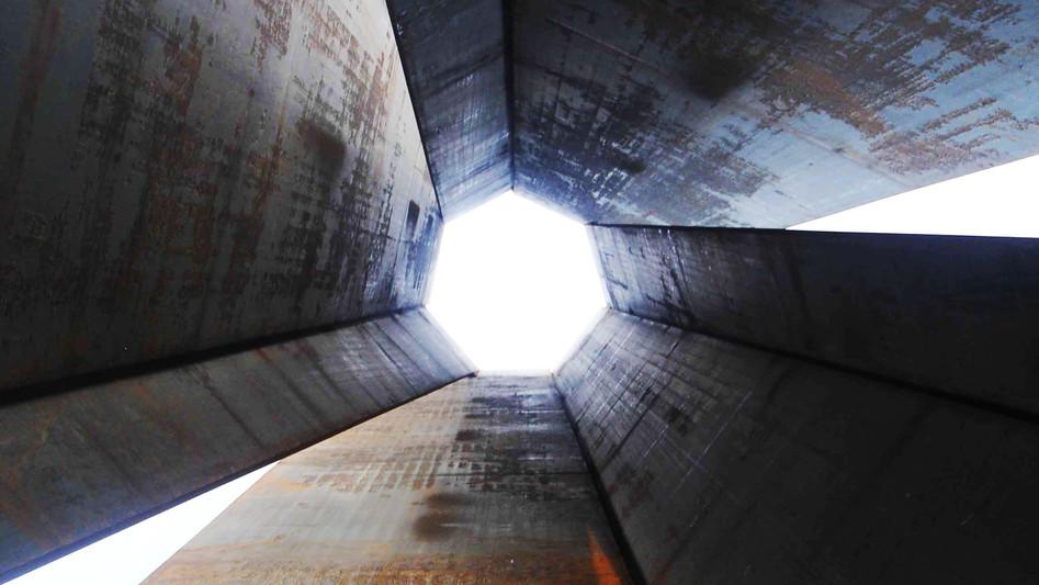 Richard Serra's '7'