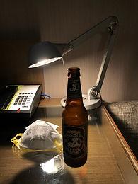마스크와 맥주 한 병 (한인 의사 수기)