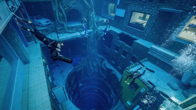 An Entire Underwater World Lies Under The World Deepest Swimming Pool In Dubai