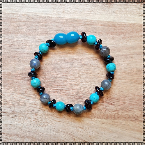 Bracelet with labradorite and turquoise