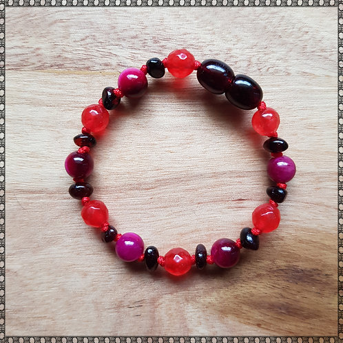 Bracelet with red jade and pink tiger's eye
