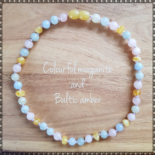 Necklace with multicoloured morganite