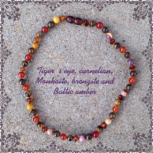 Necklace with amber, tiger's eye, carnelian, bronzite and moukaite