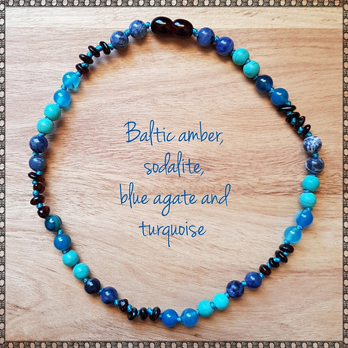 Necklace with amber, turquoise, sodalite and blue agate