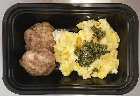 Pesto scrambled eggs, pork loin sausage, apples