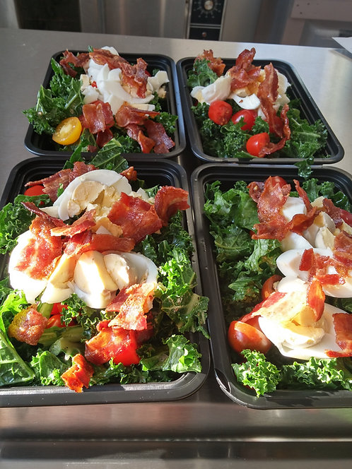 Bacon, Egg and Kale Breakfast Salad
