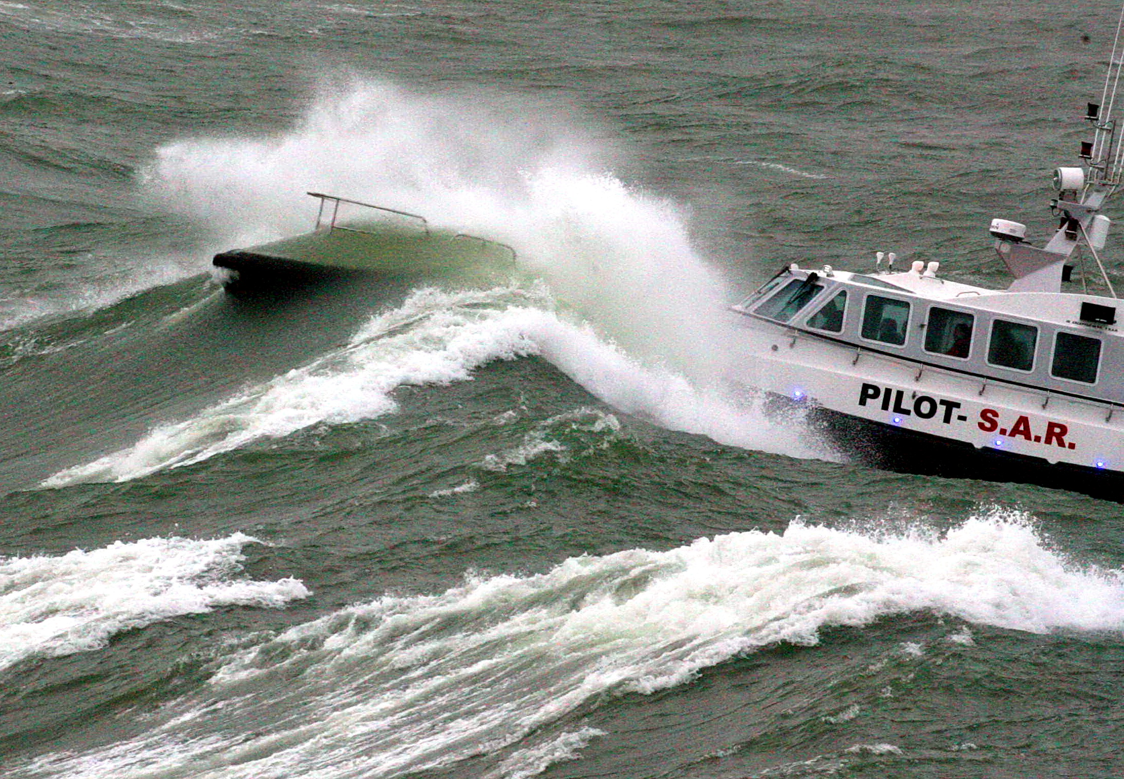 Pilot boat through wave 2