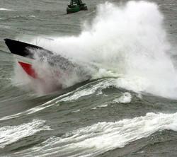 Pilot boat through wave 4