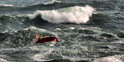 Big following seas off Roches Pt