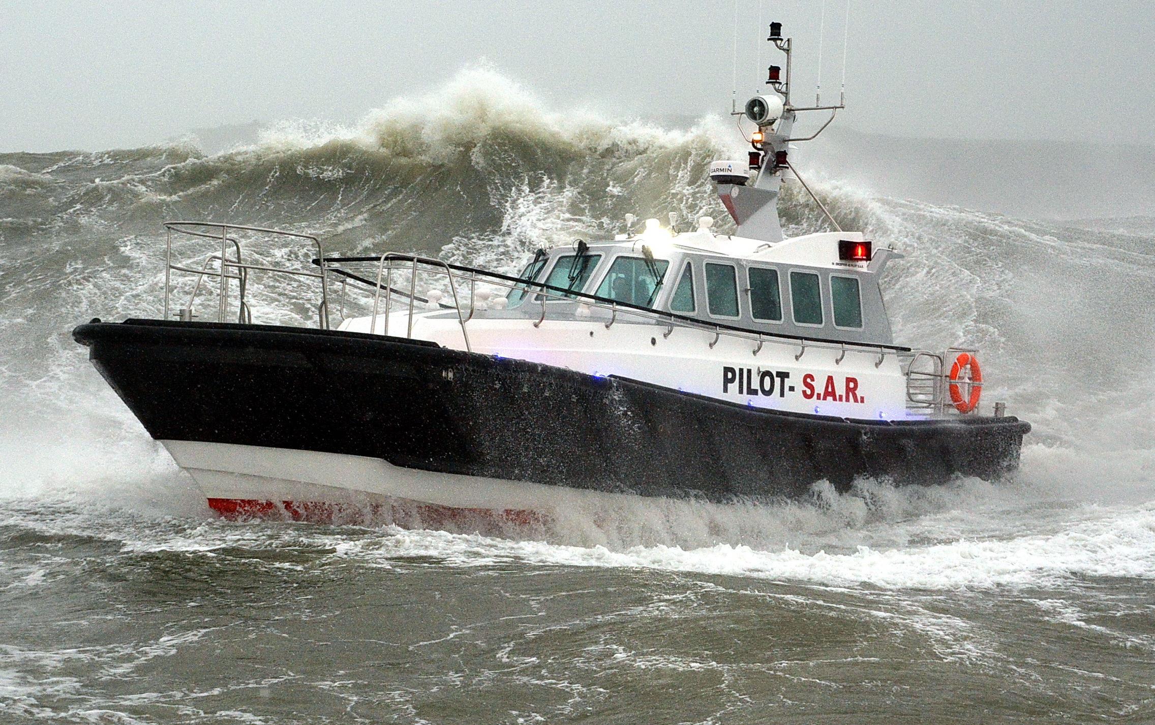 Pilot boat F11 4