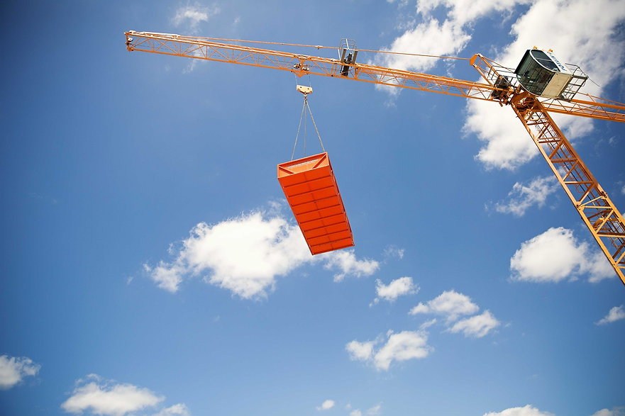 0T2A2565%20Tower%20crane%20looking%20up%