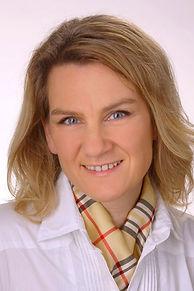 Dr. Manuela Sax21kl_edited_edited_edited