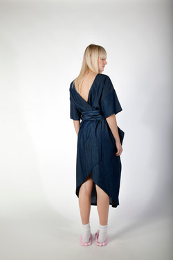 comet long dress back style.jpg