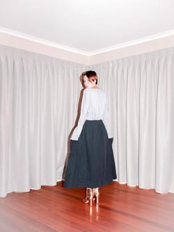 bare shoulder+depth long skirt