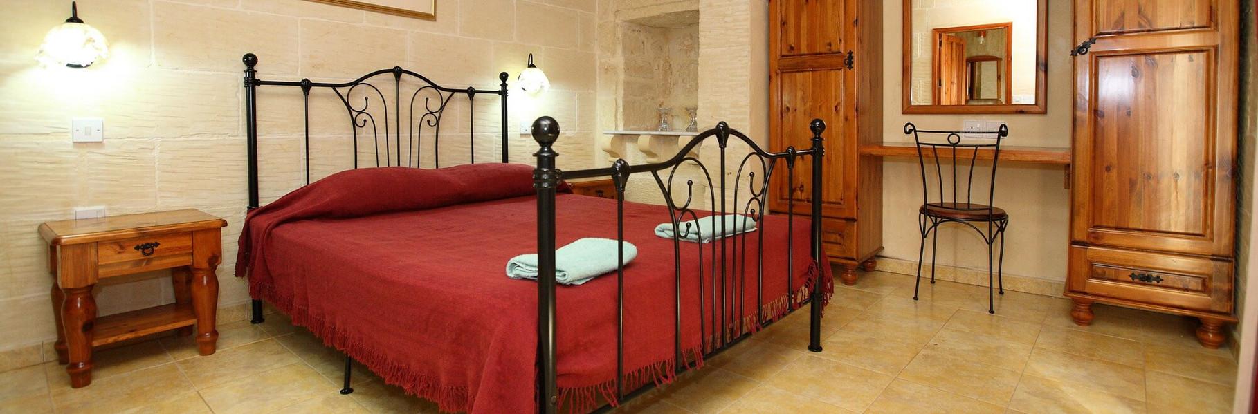 bedroom-villa-3-gozo.jpg