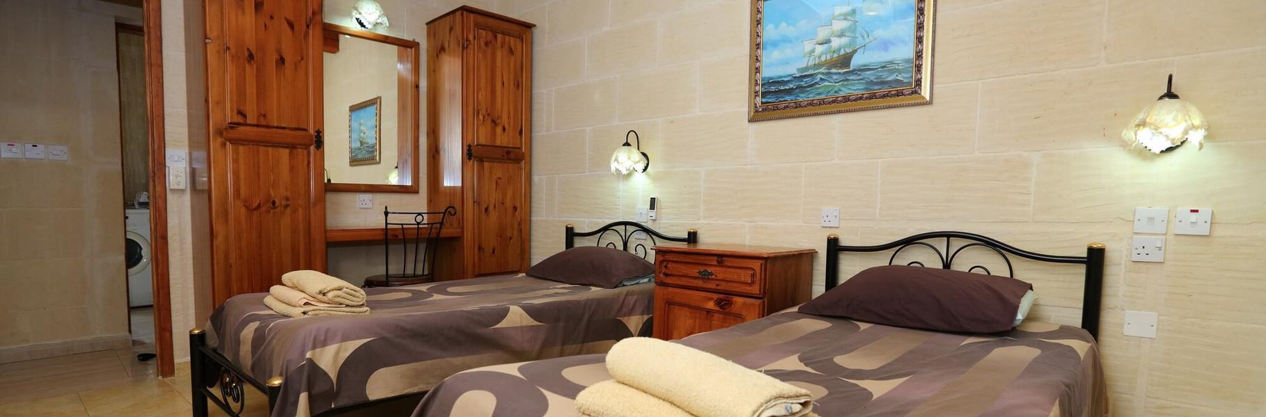 villa2-twin-bedroom.jpg