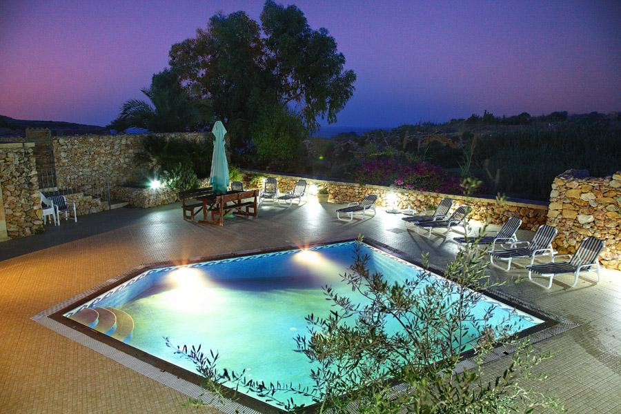 pool_night_2