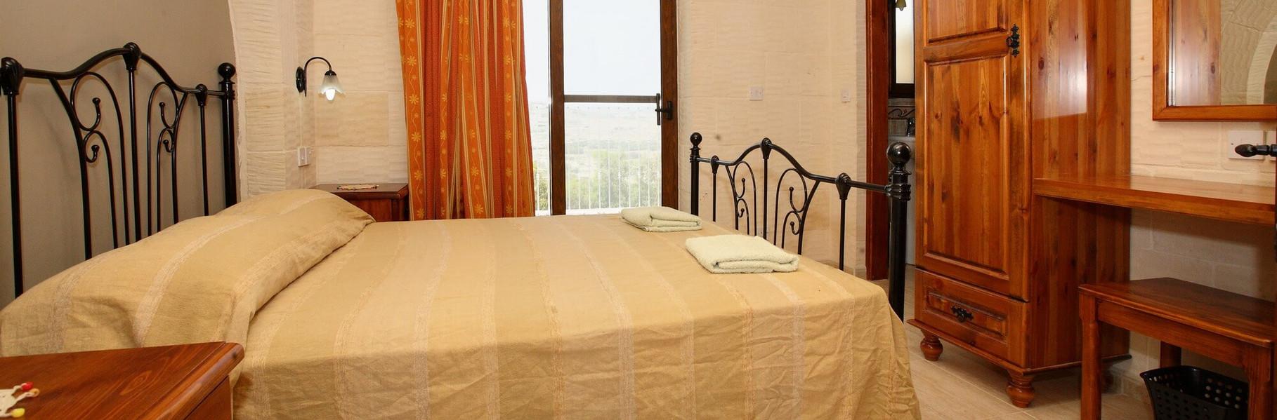 double-bedroom-luc.jpg