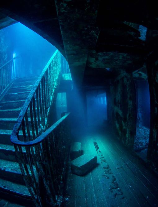karwela-wreck-dive.jpg