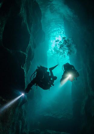 cave-diving.jpg
