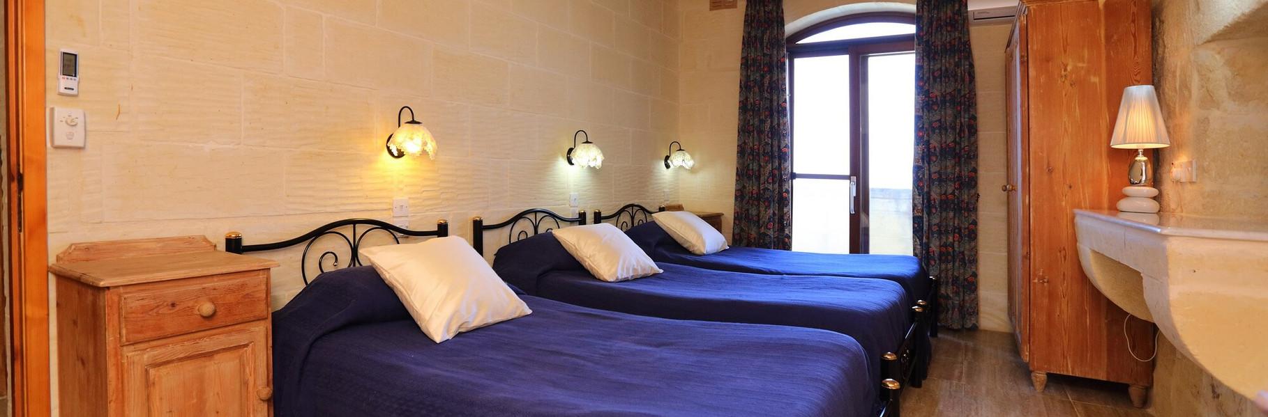 villa2-triple-bedroom.jpg