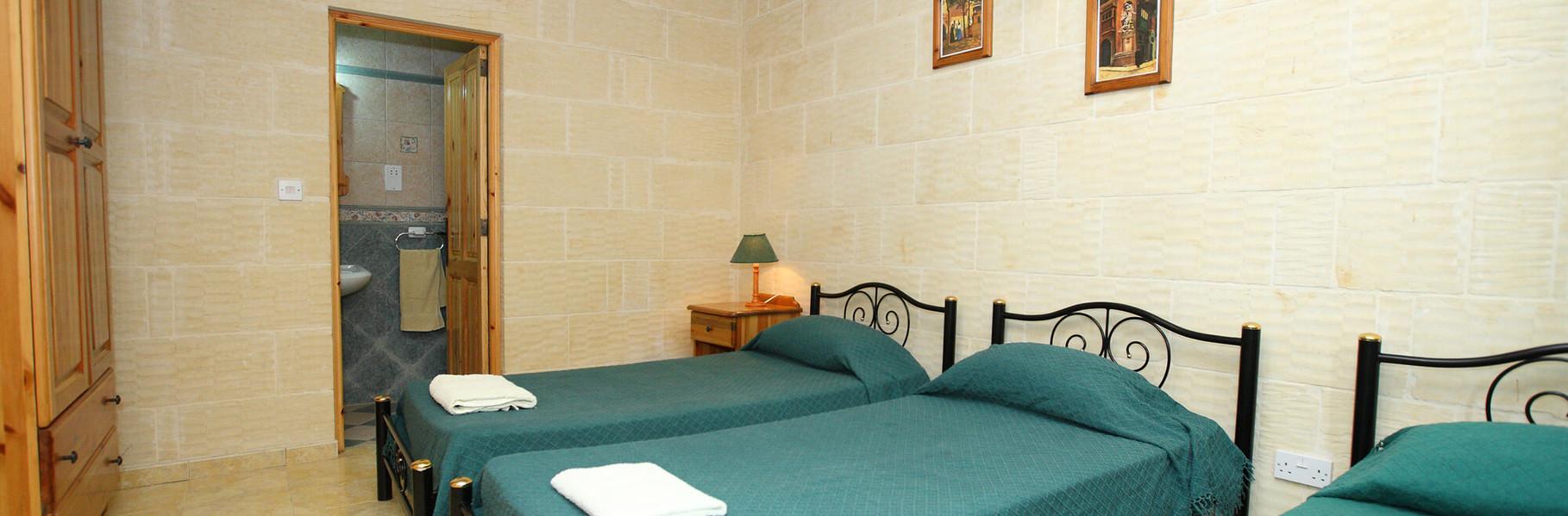 triple-bedroom-3deb.jpg